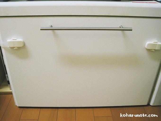 セスキスプレーで汚れが落ちた食器棚