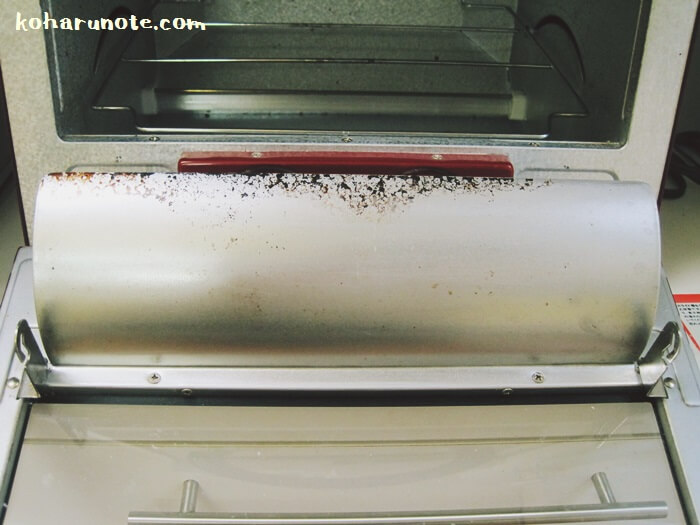 重曹ペーストで掃除したトースター内部