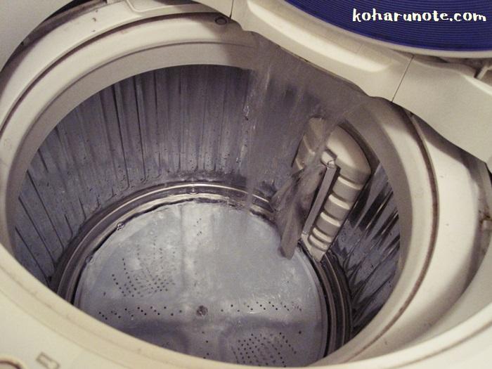 洗濯槽掃除に使うお湯を洗濯機に溜める
